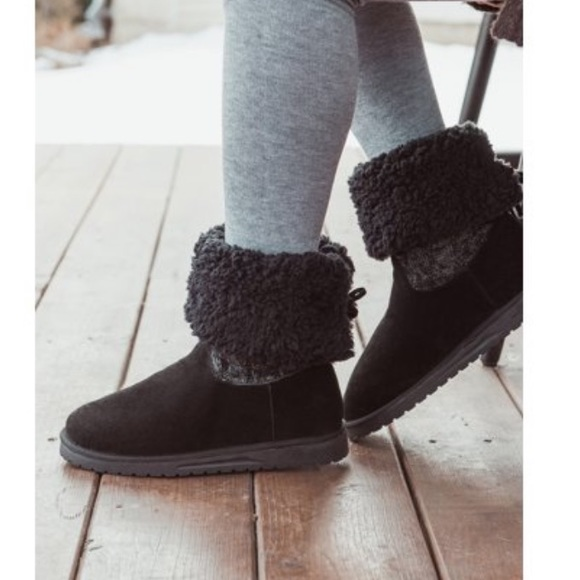 NWT Women's Muk Luks Woven Knit Boots